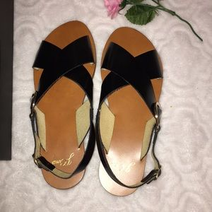 J.CREW🌺 MADE IN ITALY CROSS-STRAP SANDALS, size 8